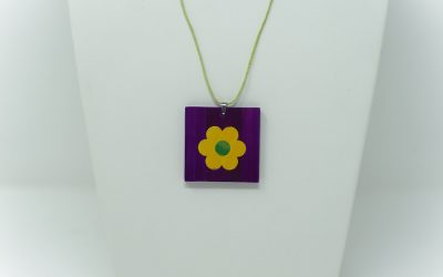 Kette Petite fleur (lila – gelb – grün)